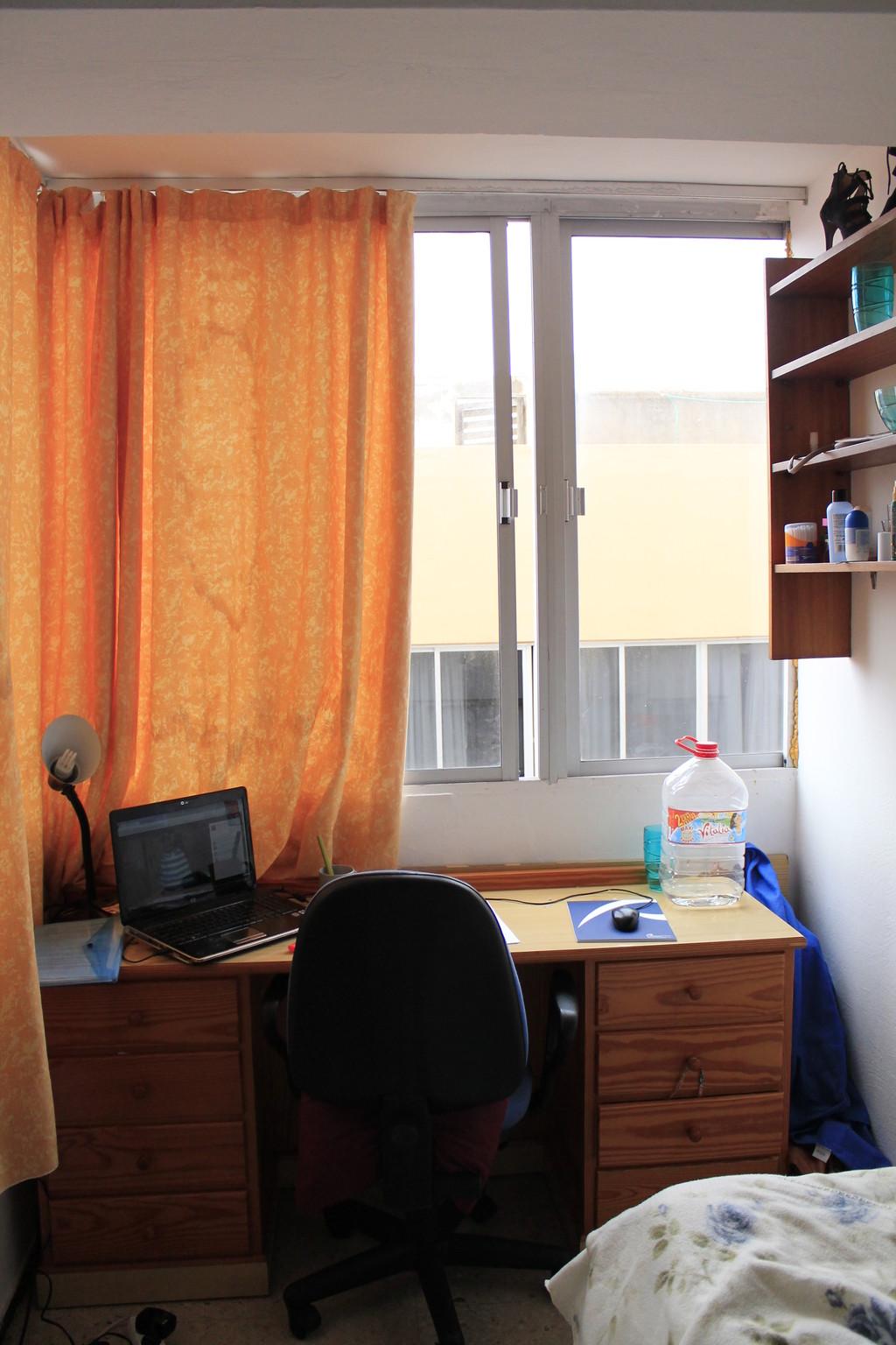 Habitaci n al lado de plaza espa a alquiler habitaciones for Alquiler habitacion plaza espana madrid
