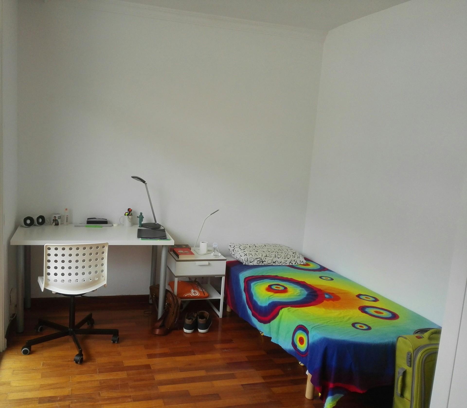 habitacion-amplia-balcon-propio-zona-obelisco-a8fd3876d19d8f8dbabd8a1566a706e8