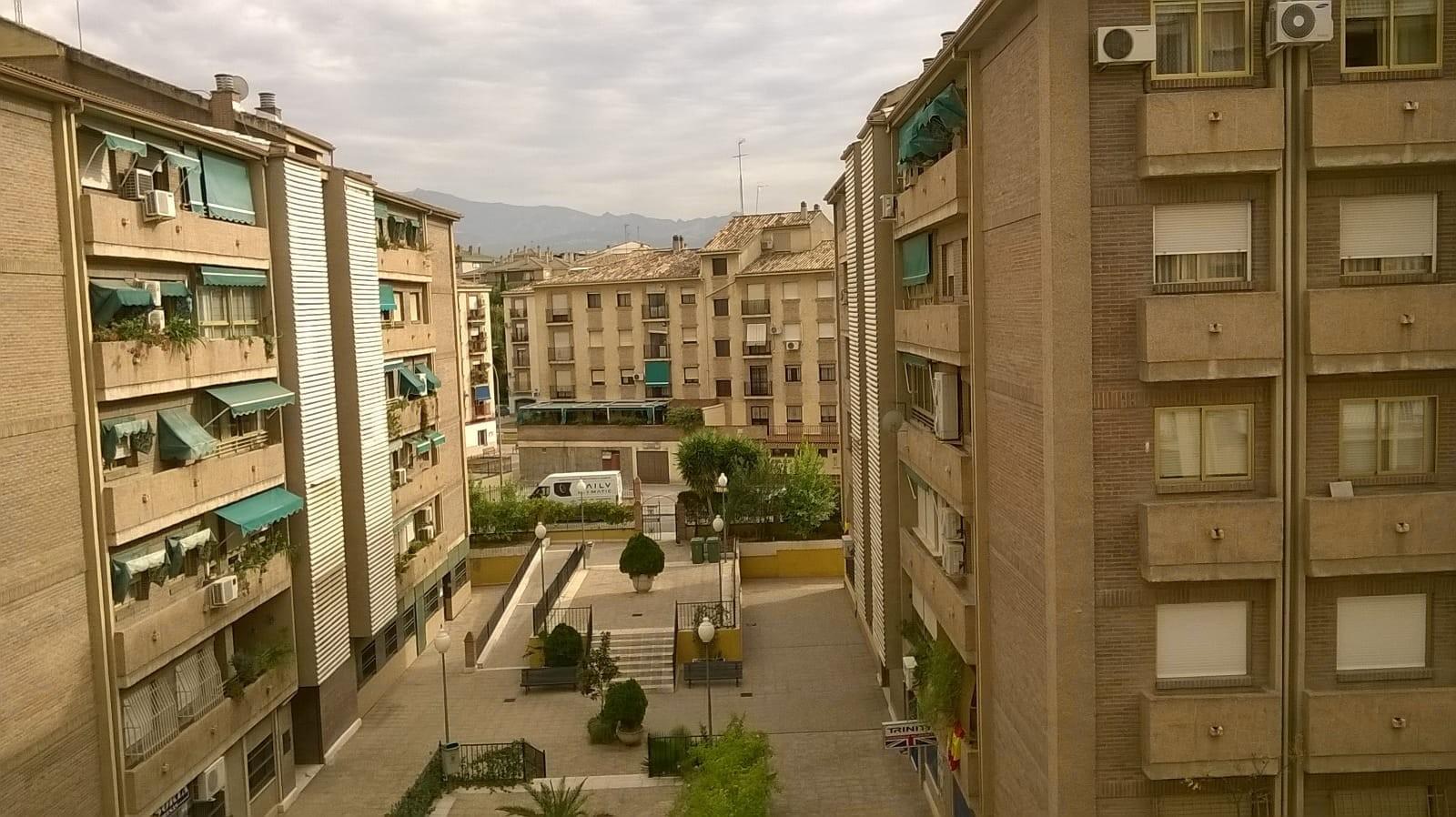 habitacion-amplia-exterior-junto-al-palacio-de-congresos-3432a99742808e094854c8cf6b158f67