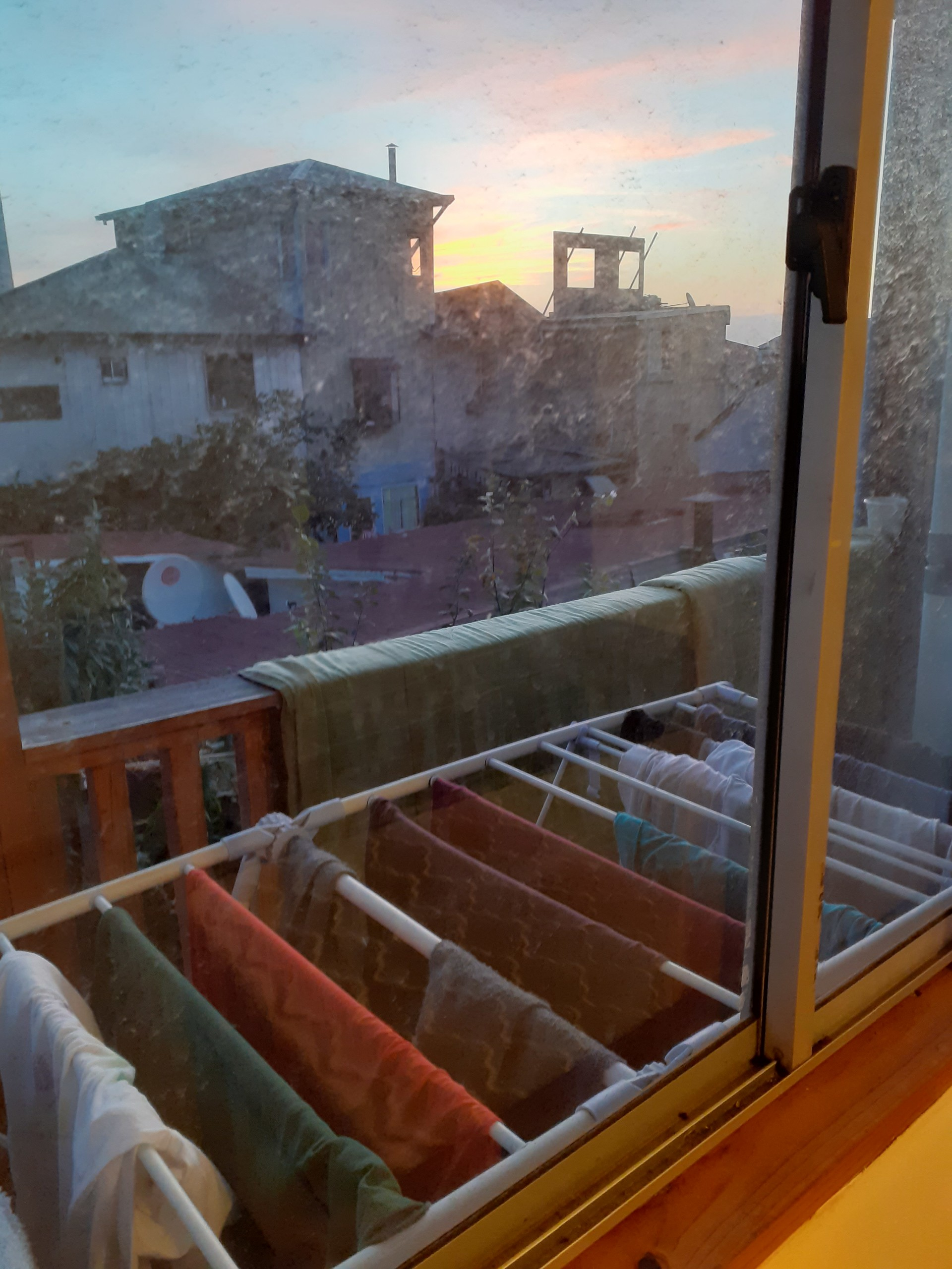 Room For Rent In 6 Bedroom House In Valparaiso Males Only And With Internet