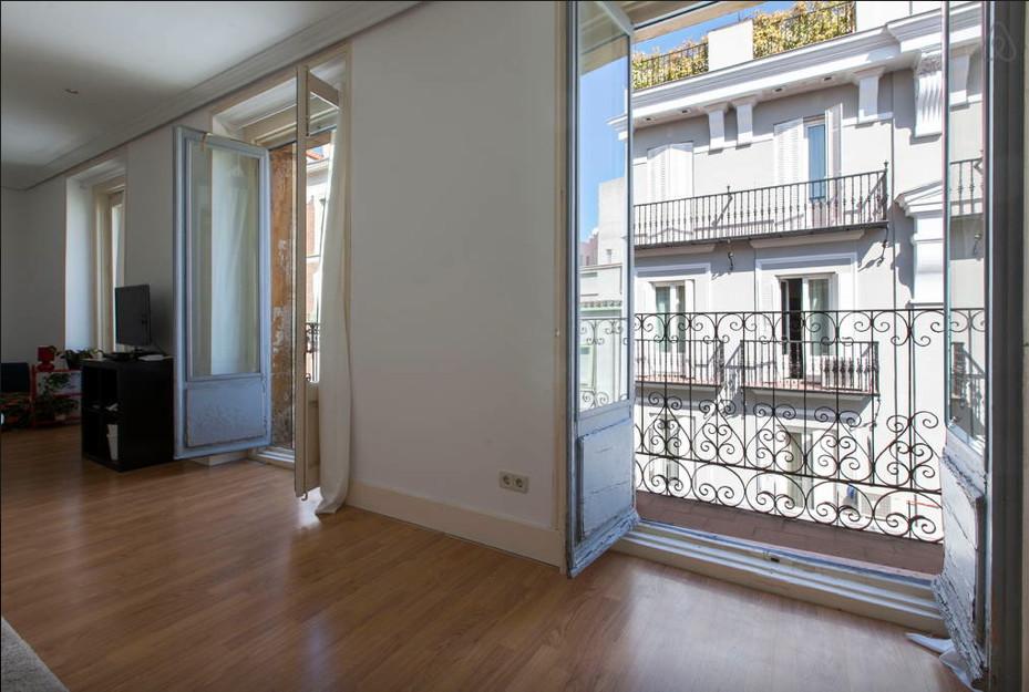 Habitaci n amplia y luminosa en piso de lujo en pleno for Piso 60 metros cuadrados 3 habitaciones