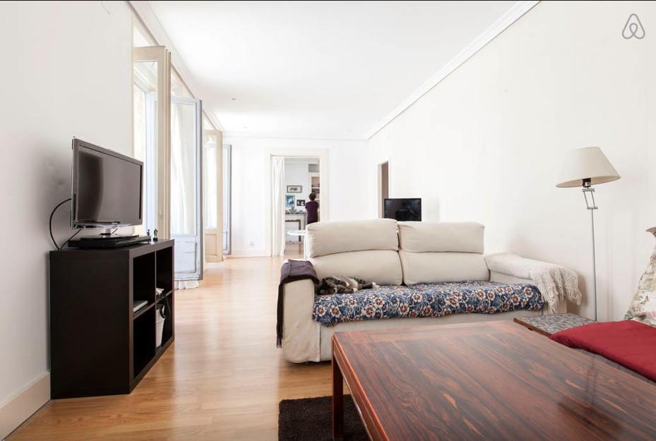 Habitaci n amplia y luminosa en piso de lujo en pleno for Piso 60 metros cuadrados