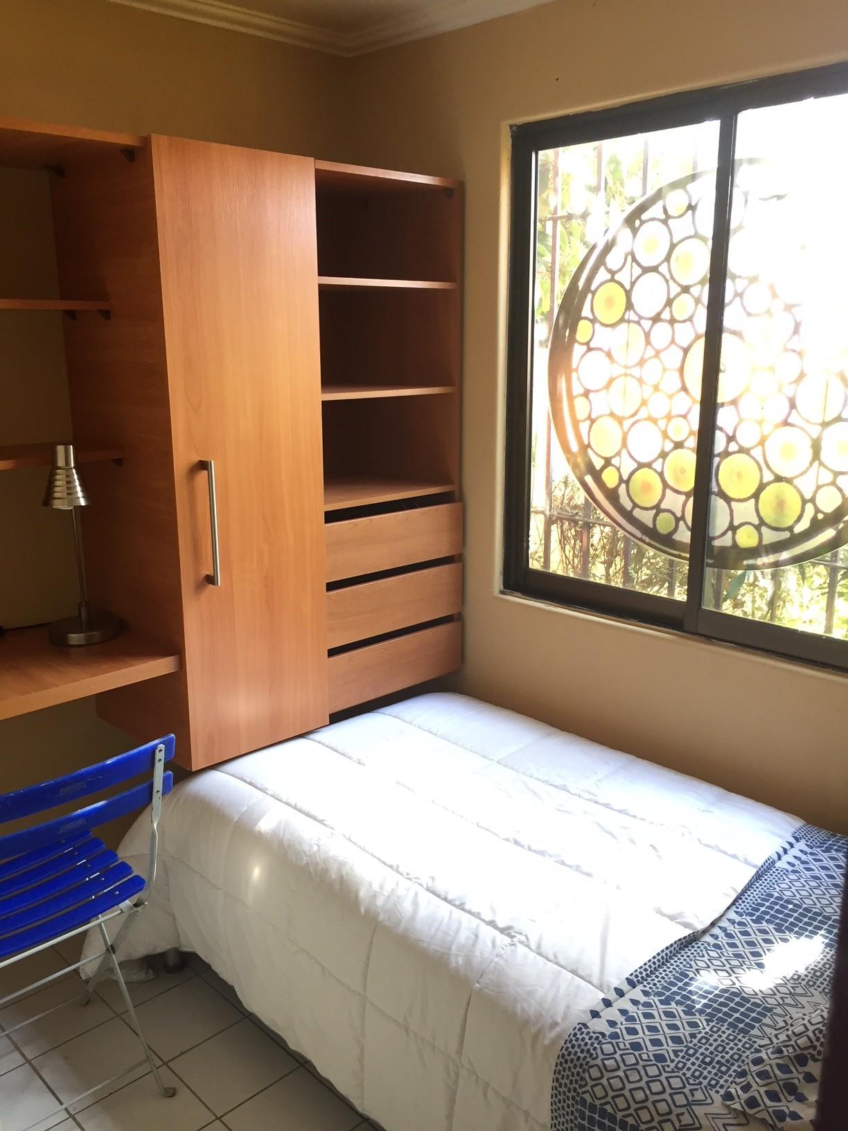 habitacion-amueblada-bano-privado-incluye-desayuno-accommodation-with-furnished-room-and-private-bathroom-breakfast-181311b49fe937a2334c695bd0da632a