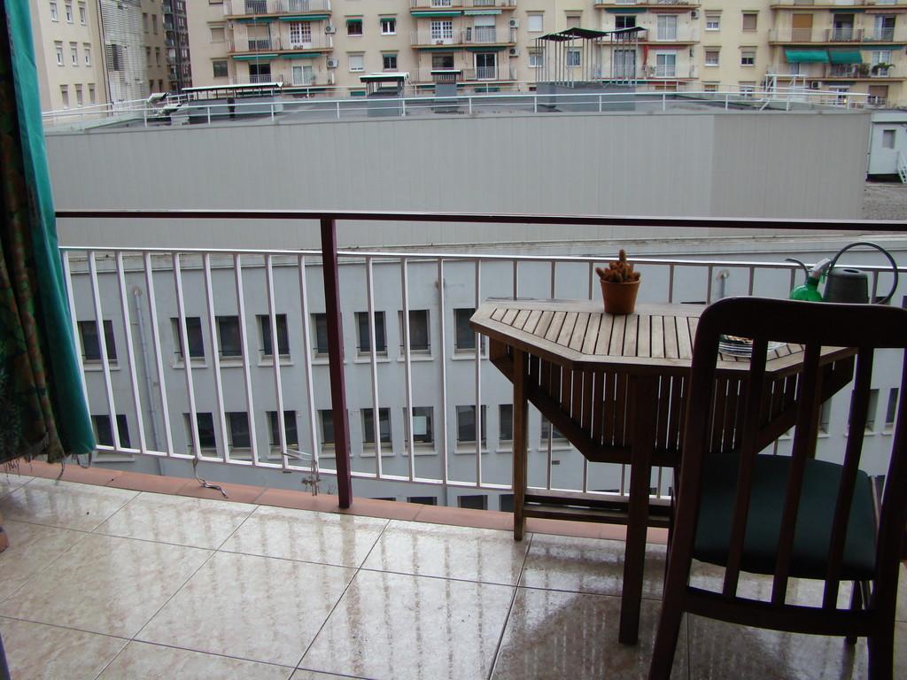 Habitaci n en barcelona la sagrera alquiler for Habitacion barcelona