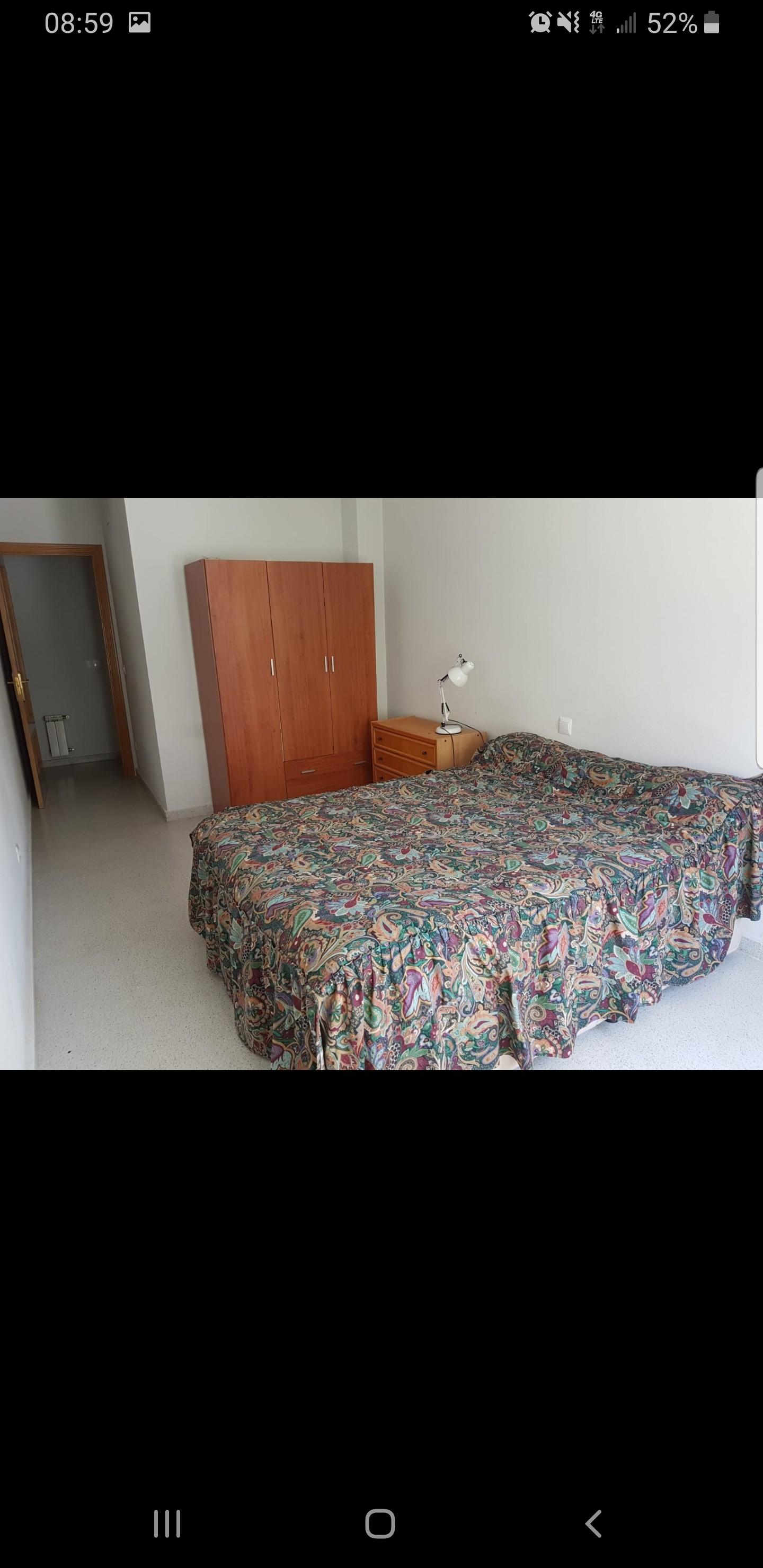 Habitacion con cama doble , amplia y luminosa