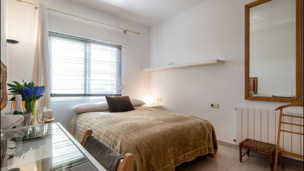 Soleada habitaci n en casa bien equipada incre bles - Alquiler de una habitacion en madrid ...