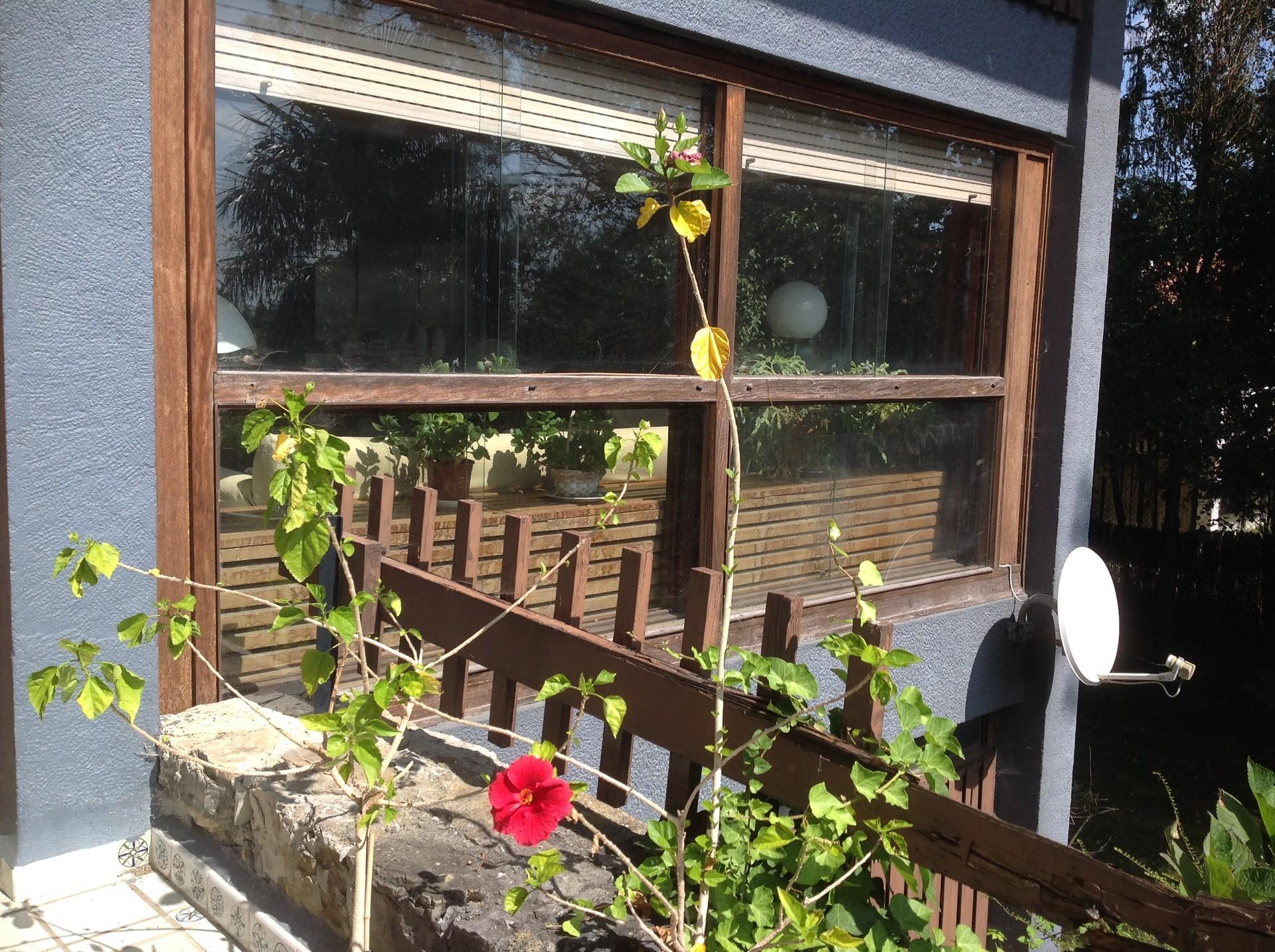 Habitaci n en casa con jard n en urbanizaci n room for for Casa con jardin barcelona