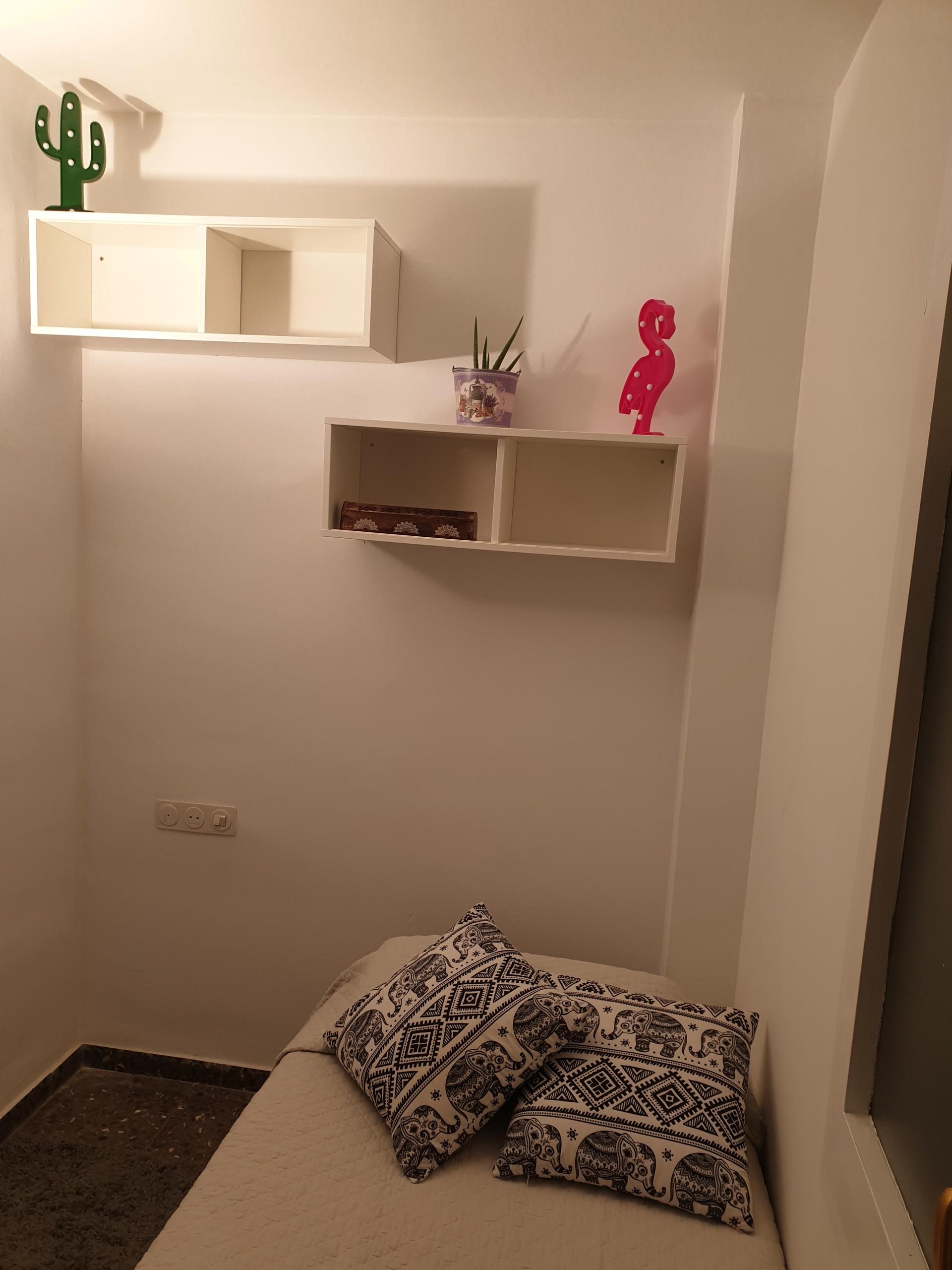 habitacion-centro-terrassa-6b4d6facaa87a79e9e9ddbd55f41ff6a