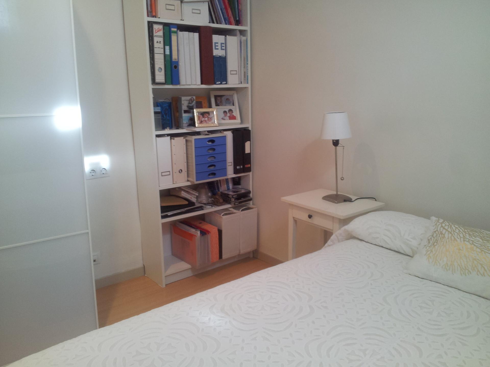 Habitaci n para chica en tico compartido alquiler - Habitacion para alquilar en barcelona ...