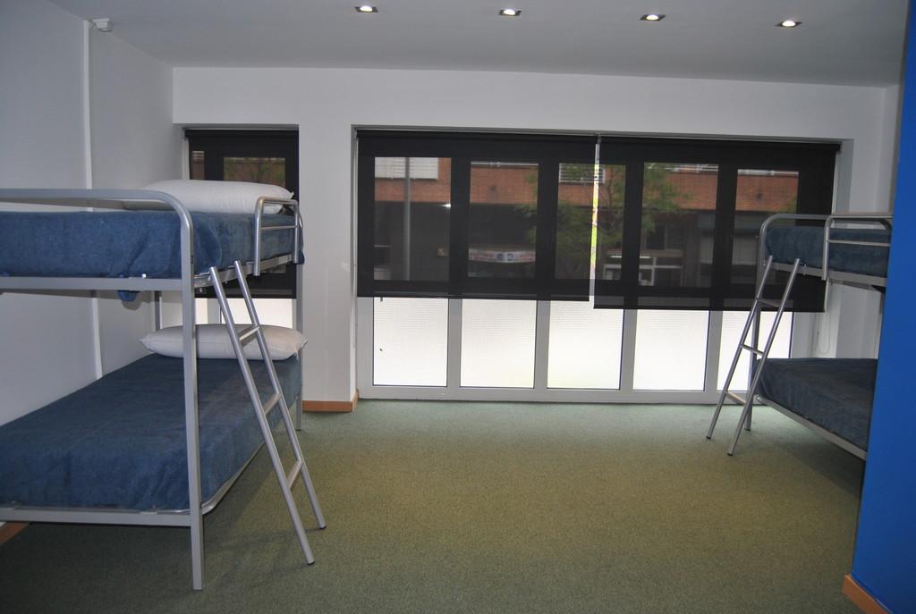 Habitacion Compartida en Residencia / Shared Room in Youth Hoste