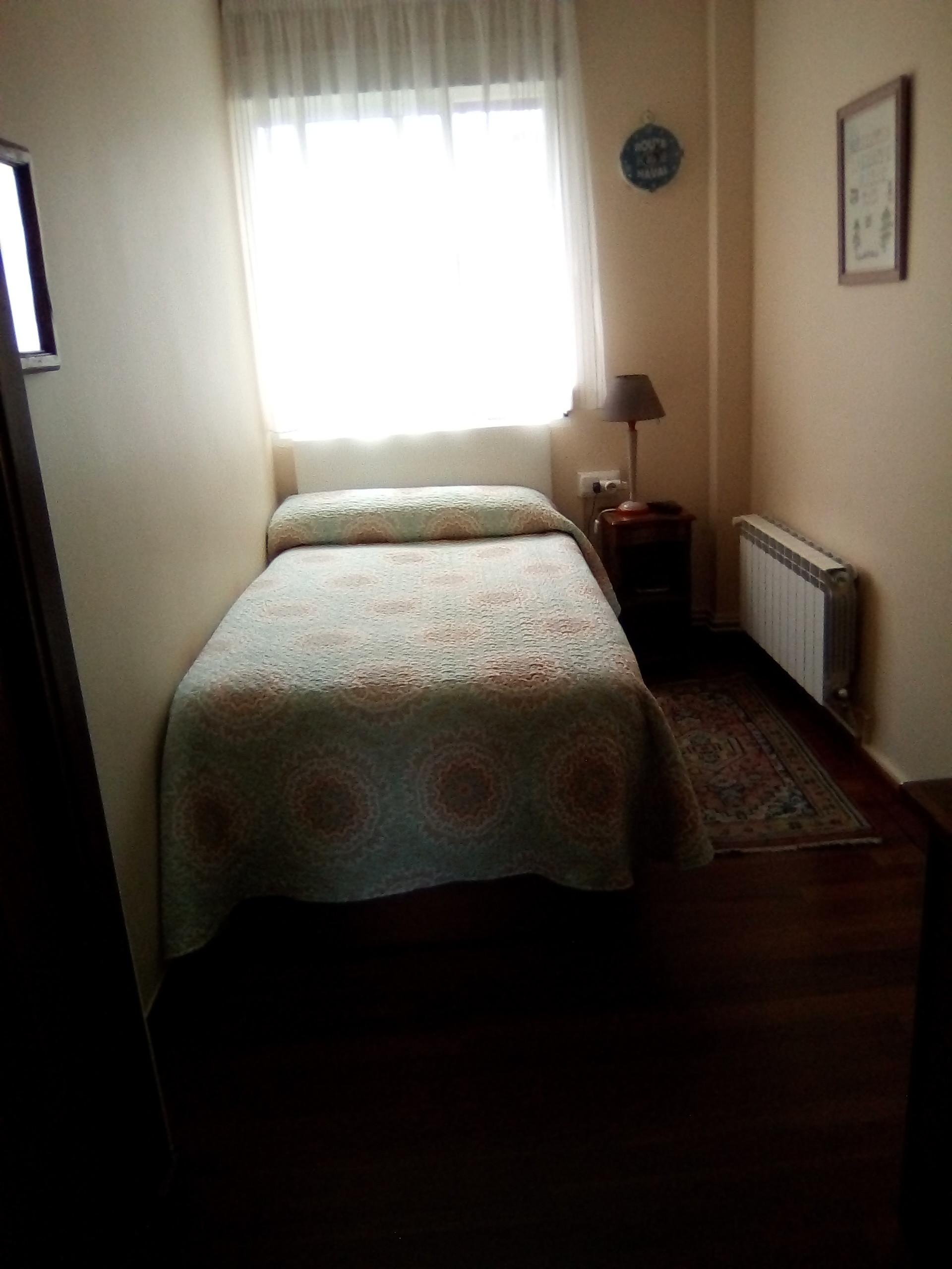 Habitación disponible en buen piso de San Sebastia