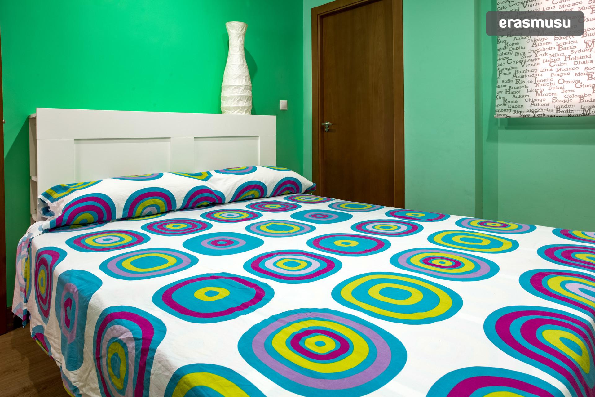 habitación doble con baño privado en piso compartido, amplio y muy ... - Imagenes De Bano Solo Para Mujeres