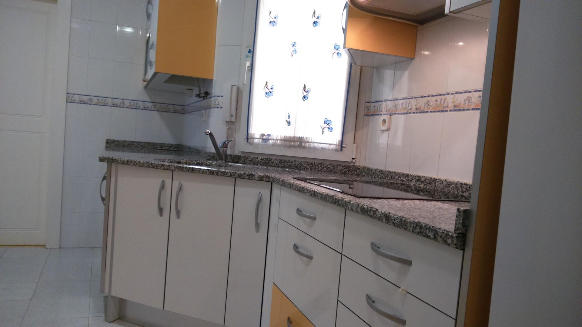 Habitacion doble para chica en moderno piso soleado - Pisos modernos madrid ...