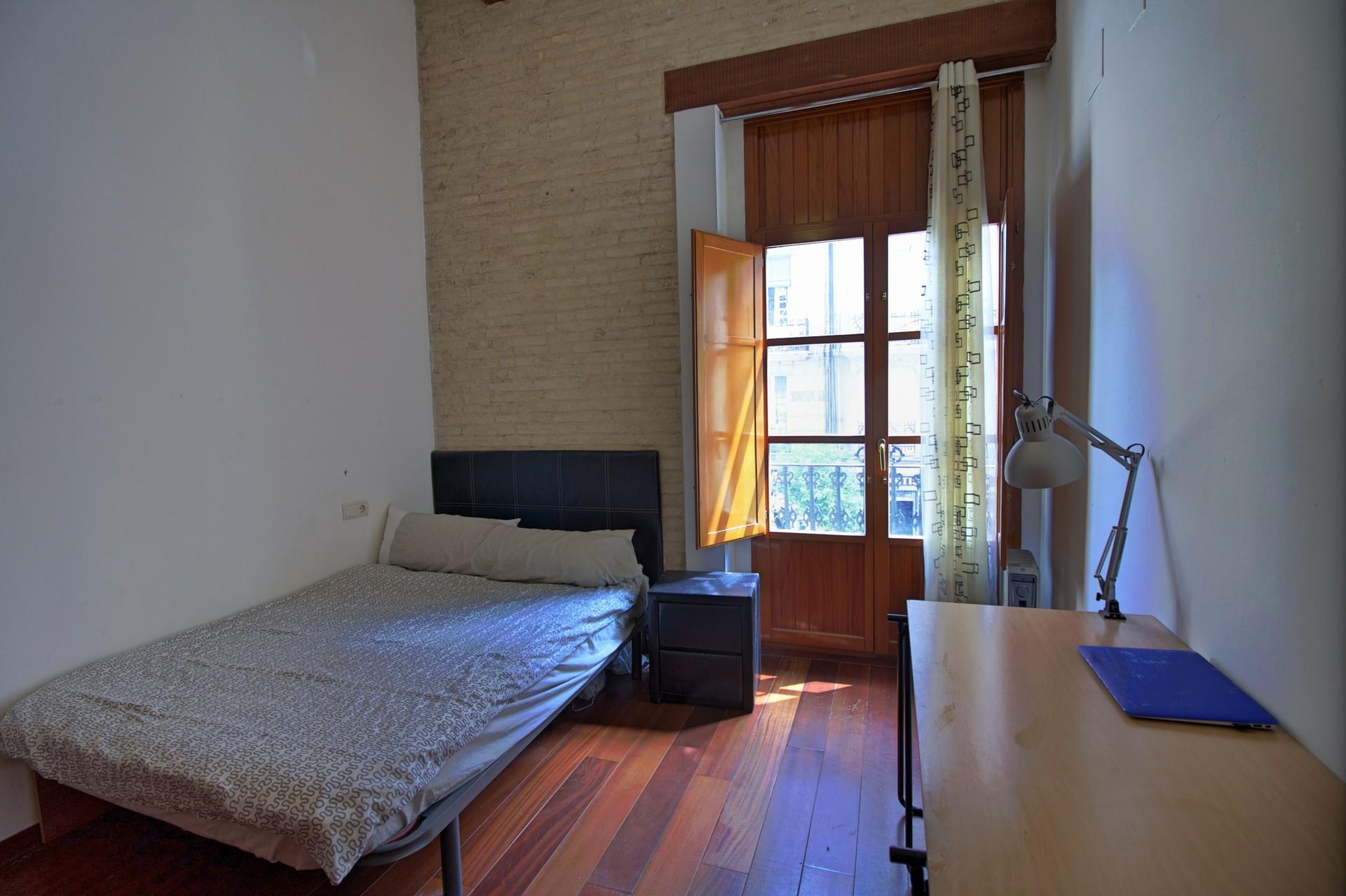 Habitaci n doble en piso de dise o en el barrio de ruzafa for Pisos 1 habitacion zaragoza