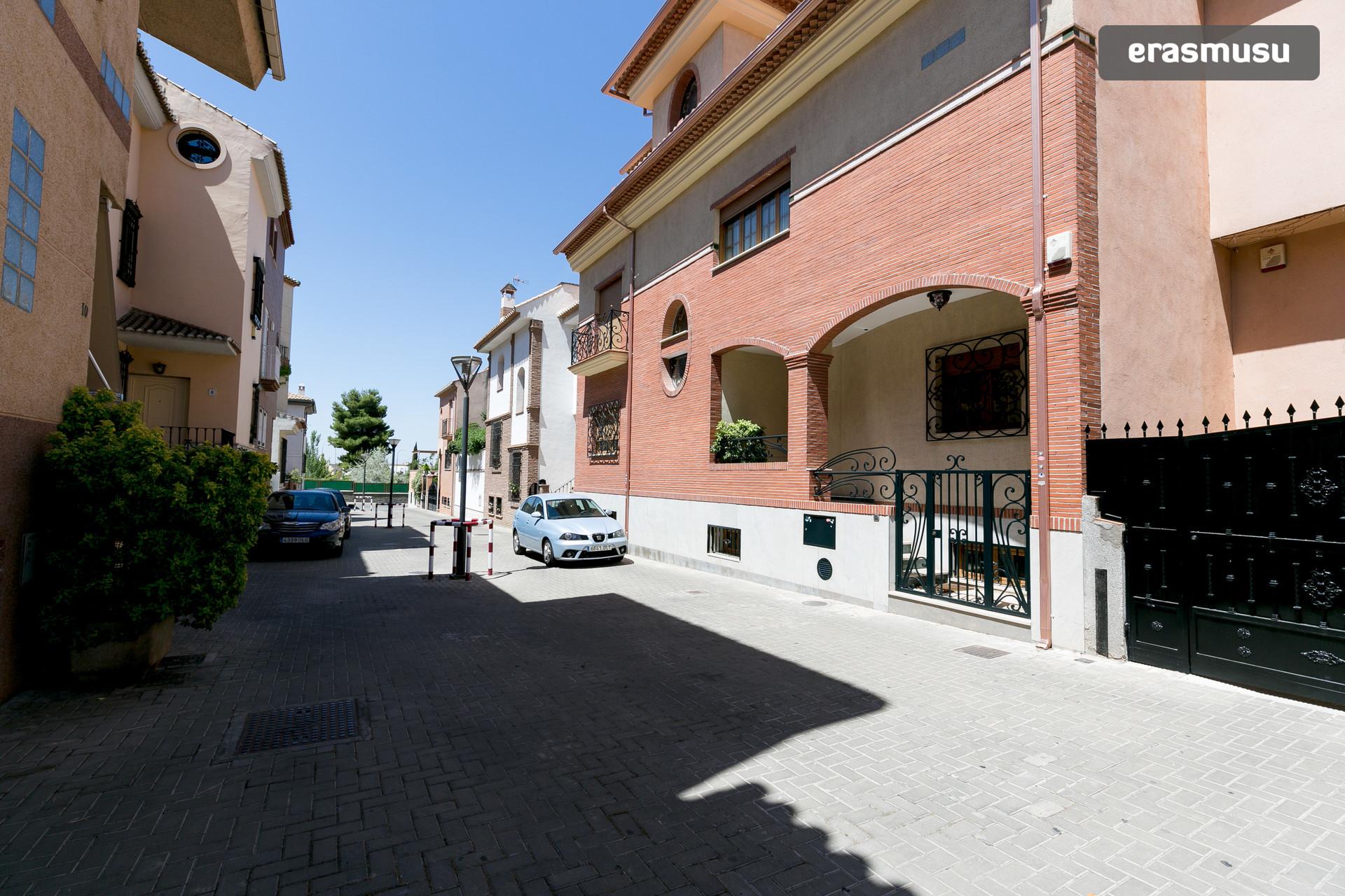 Habitación doble en planta independiente y con terraza privada
