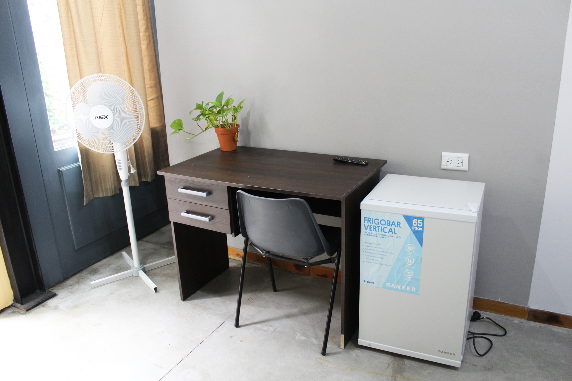 Room For Rent In 13 Bedroom Apartment In Buenos Aires With Internet And With Cleaning Service