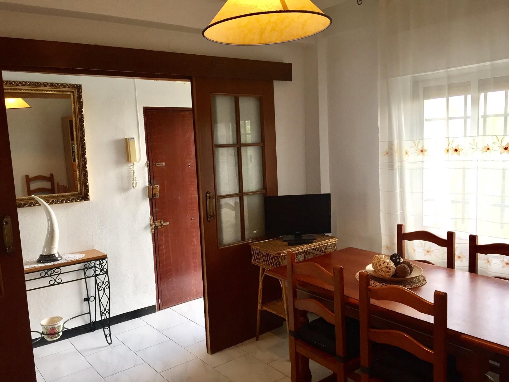 habitacion-en-avenida-ramon-y-cajal-428167f28e25ae4d39f742daa49d7681