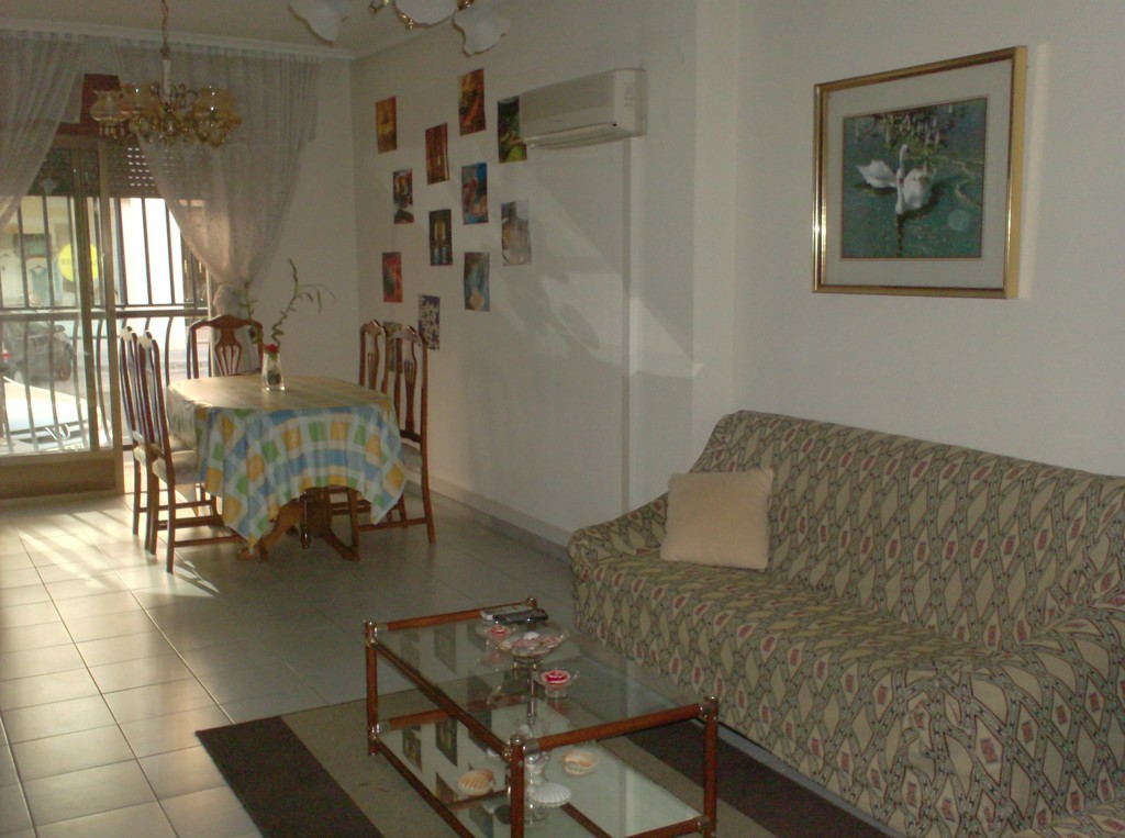 Habitaci n en piso compartido toledo alquiler for Alquiler de habitacion en piso compartido