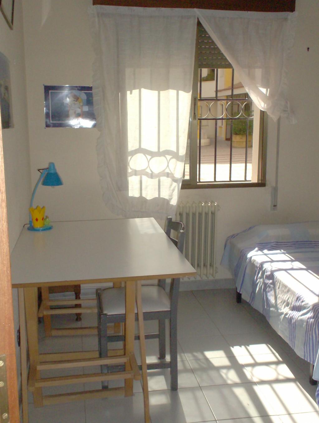 Habitaci n en piso compartido toledo alquiler for Pisos en buenavista toledo