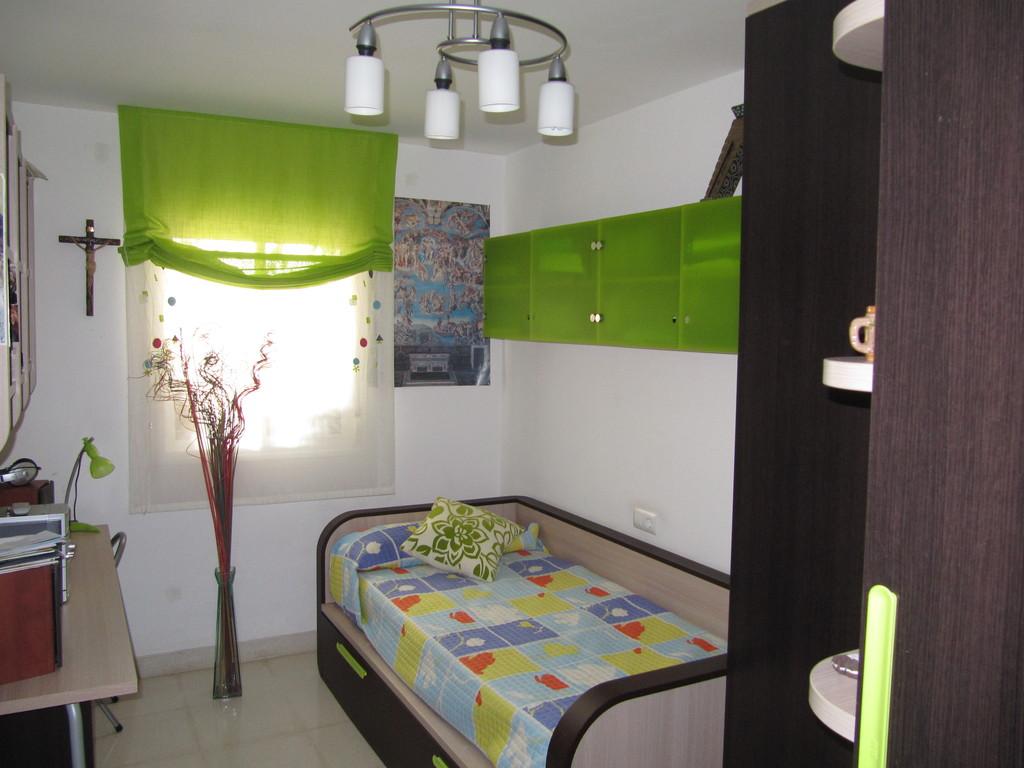 Habitaci n en regimen de pensi n completa para estudiantes for Dormitorios para universitarios
