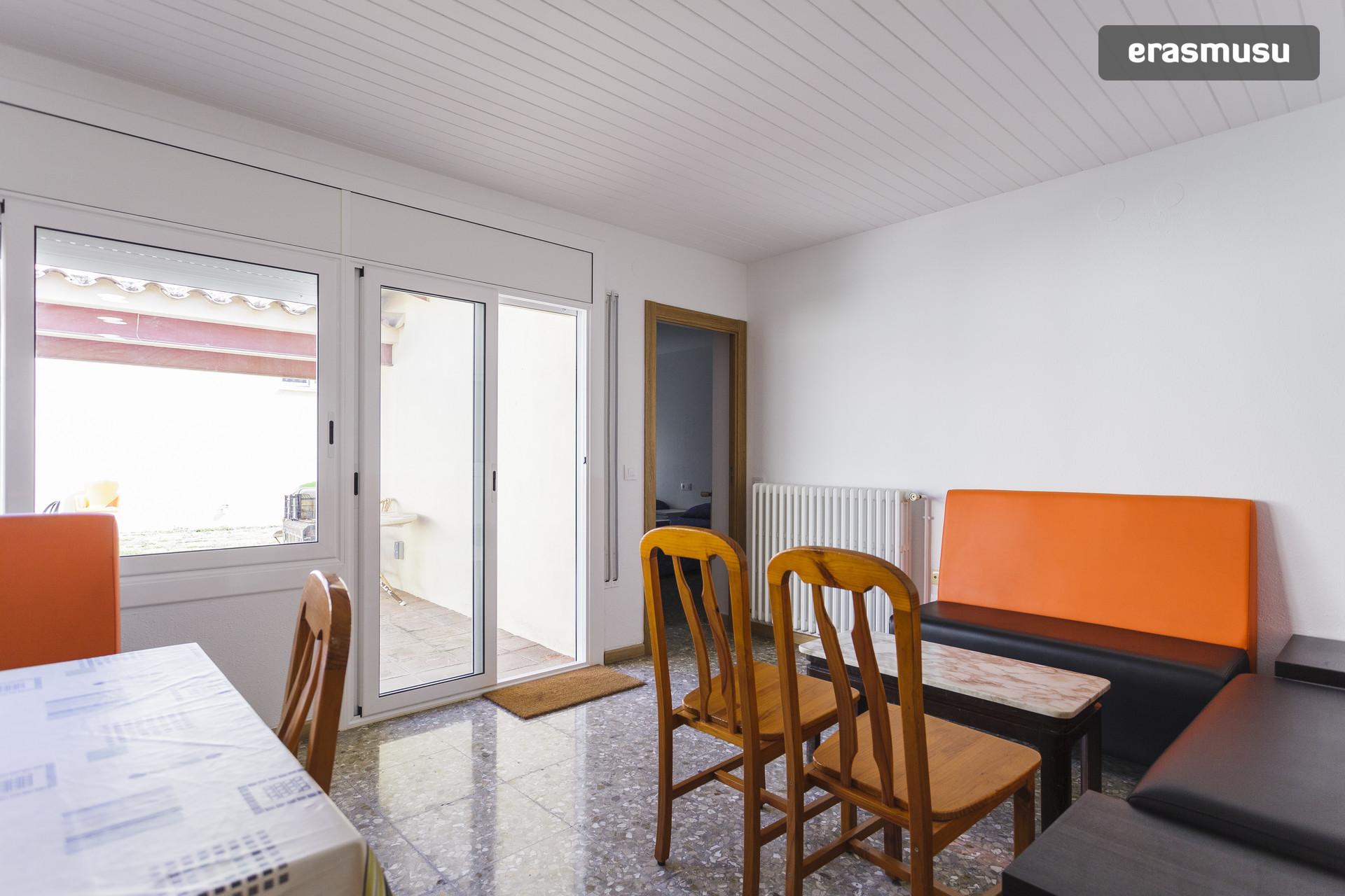 Habitaci n estudio tranquila en viladecans muy cerca de barcelona alquiler habitaciones - Alquiler de pisos en viladecans ...
