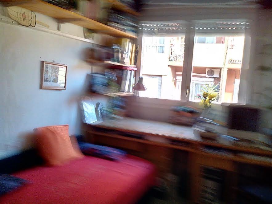 Habitación grande para chica exterior, silenciosa, amueblada , c