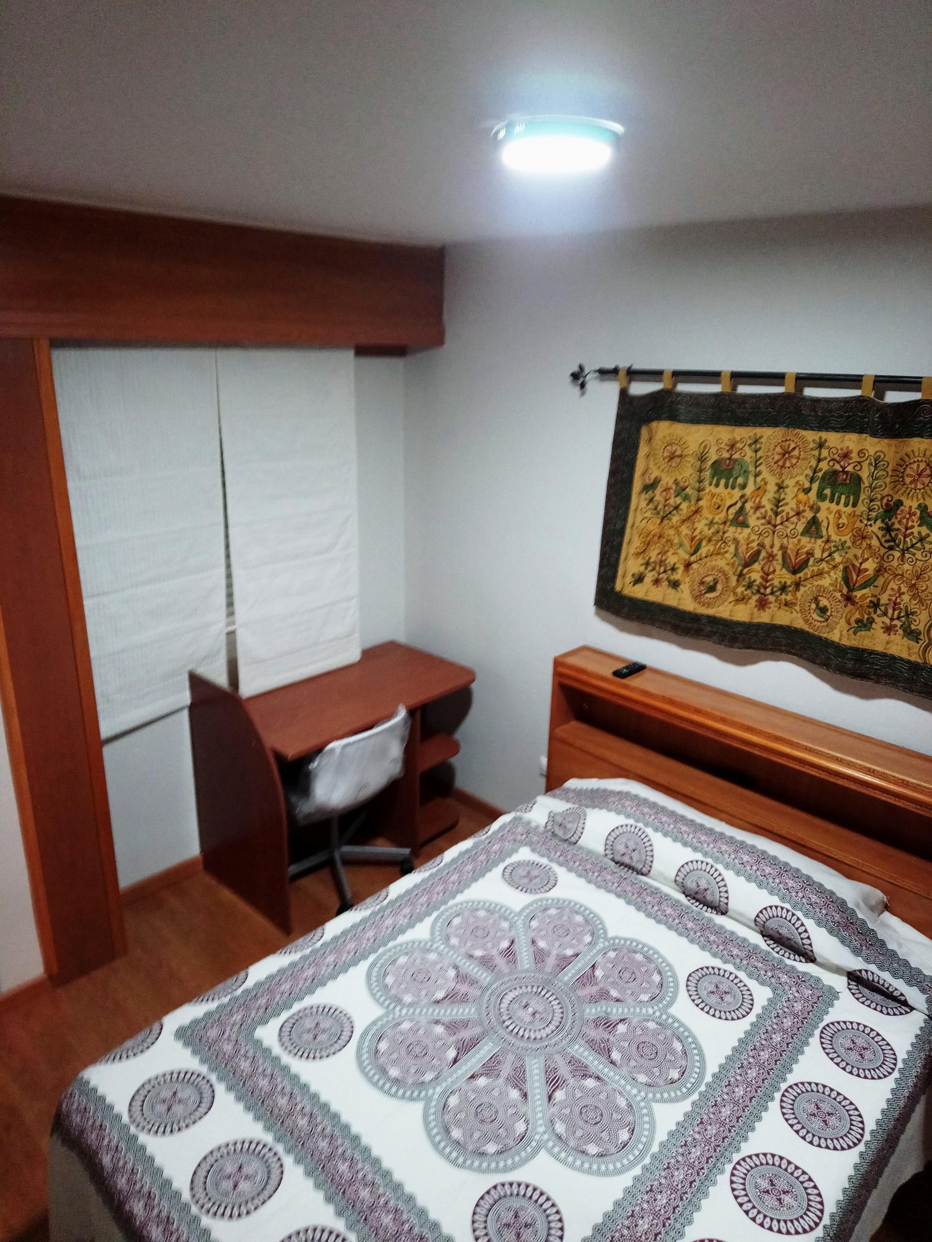 habitacion grande con cuarto de baño privado y cerca del ...