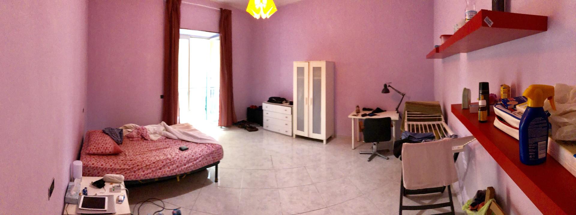 habitacion-grande-piso-compartido-7a3194de1a48d6797f0507bebc4c53a1