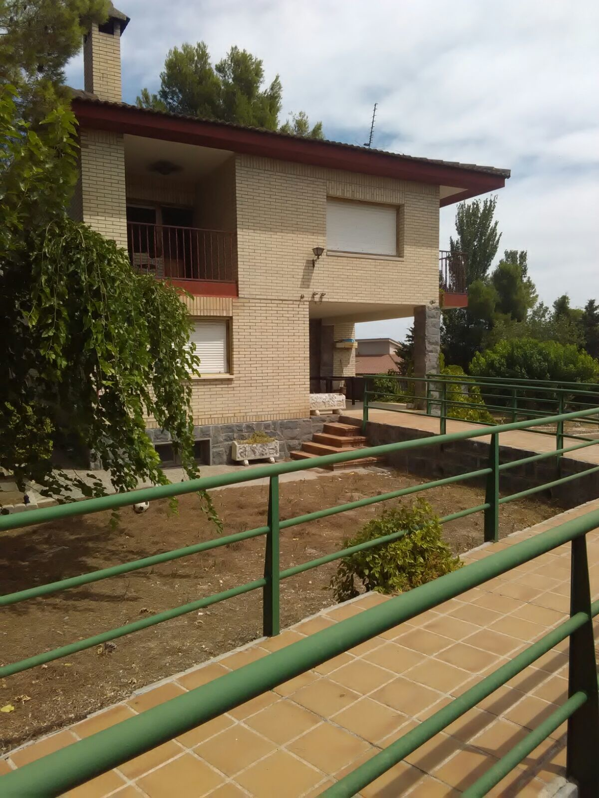 Habitacion grande, soleada en Chalet
