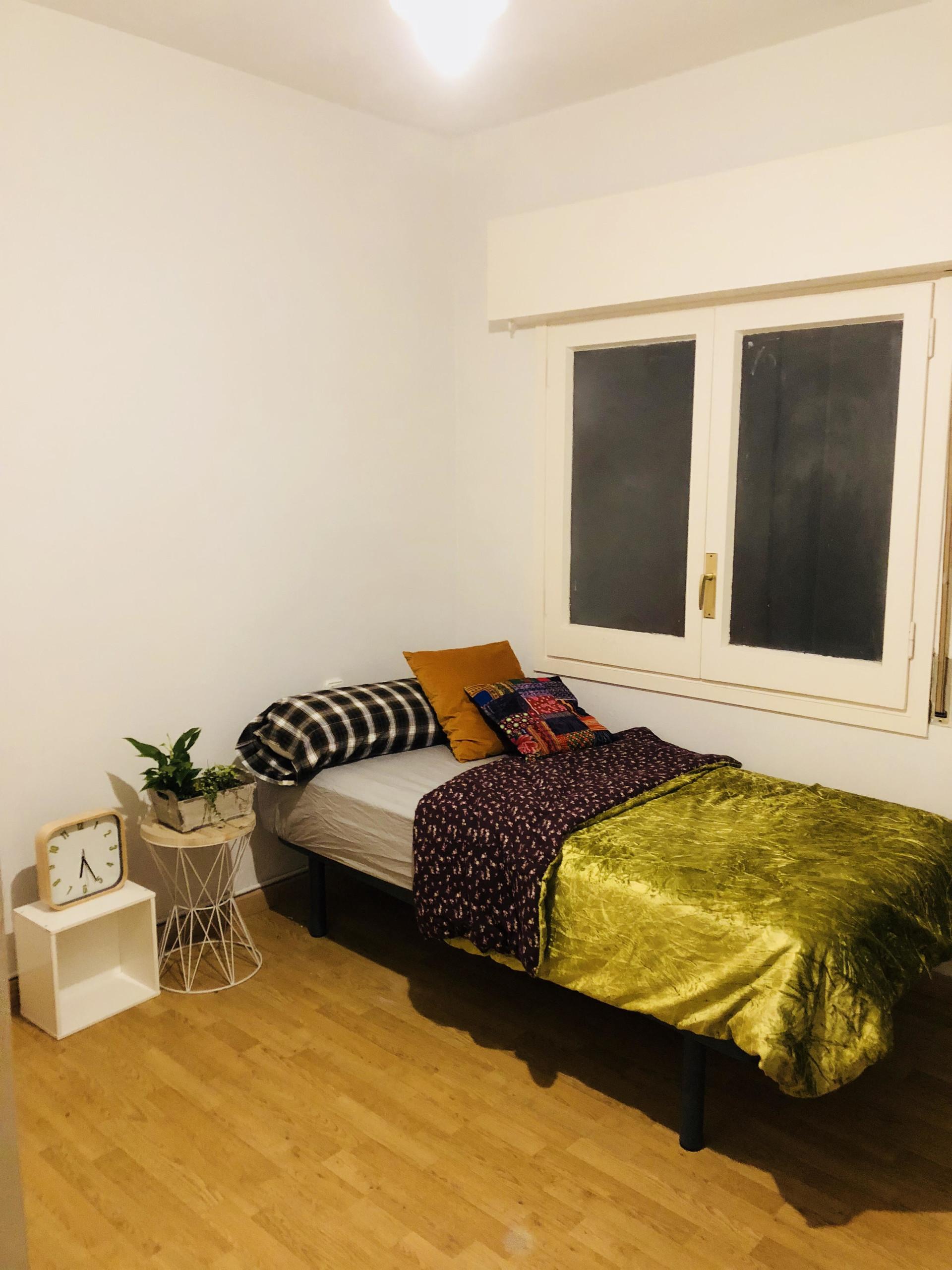 Habitaci n individual en piso compartido alquiler for Alquiler de habitacion en piso compartido