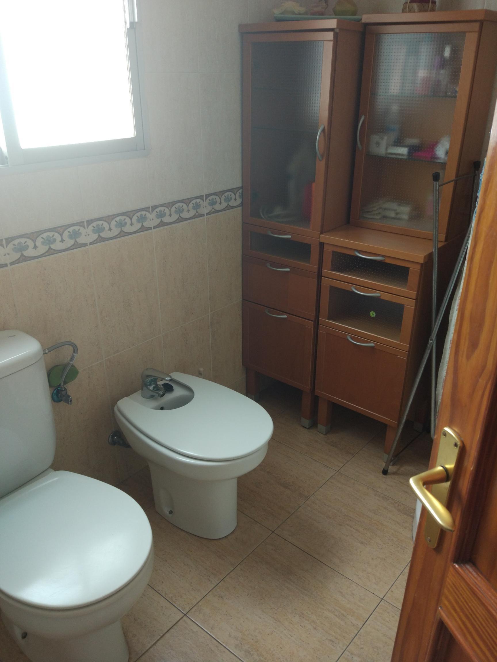 Habitación individual en piso compartido para chica