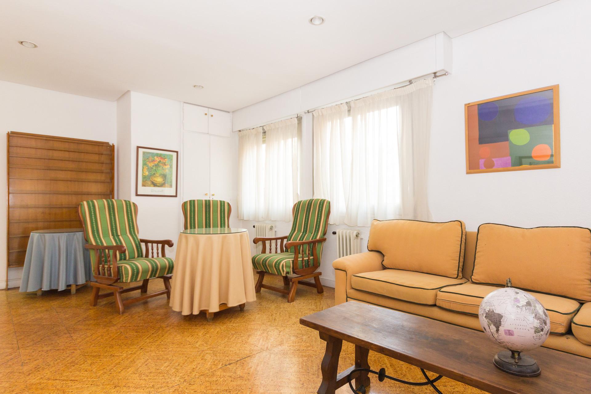 habitación individual en piso grande