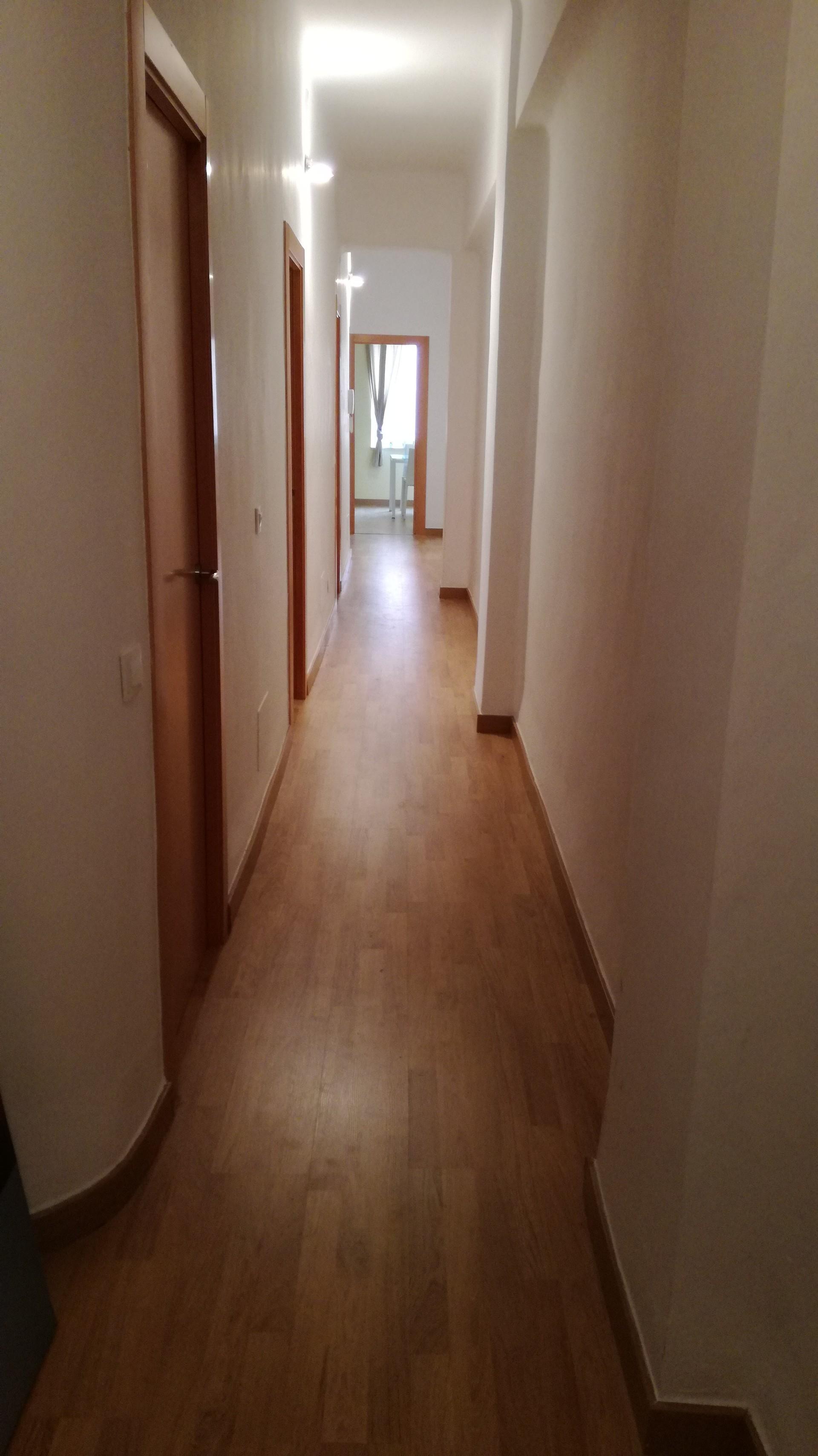 Habitacion libre en grande piso en el centro alquiler for Pisos grandes en madrid