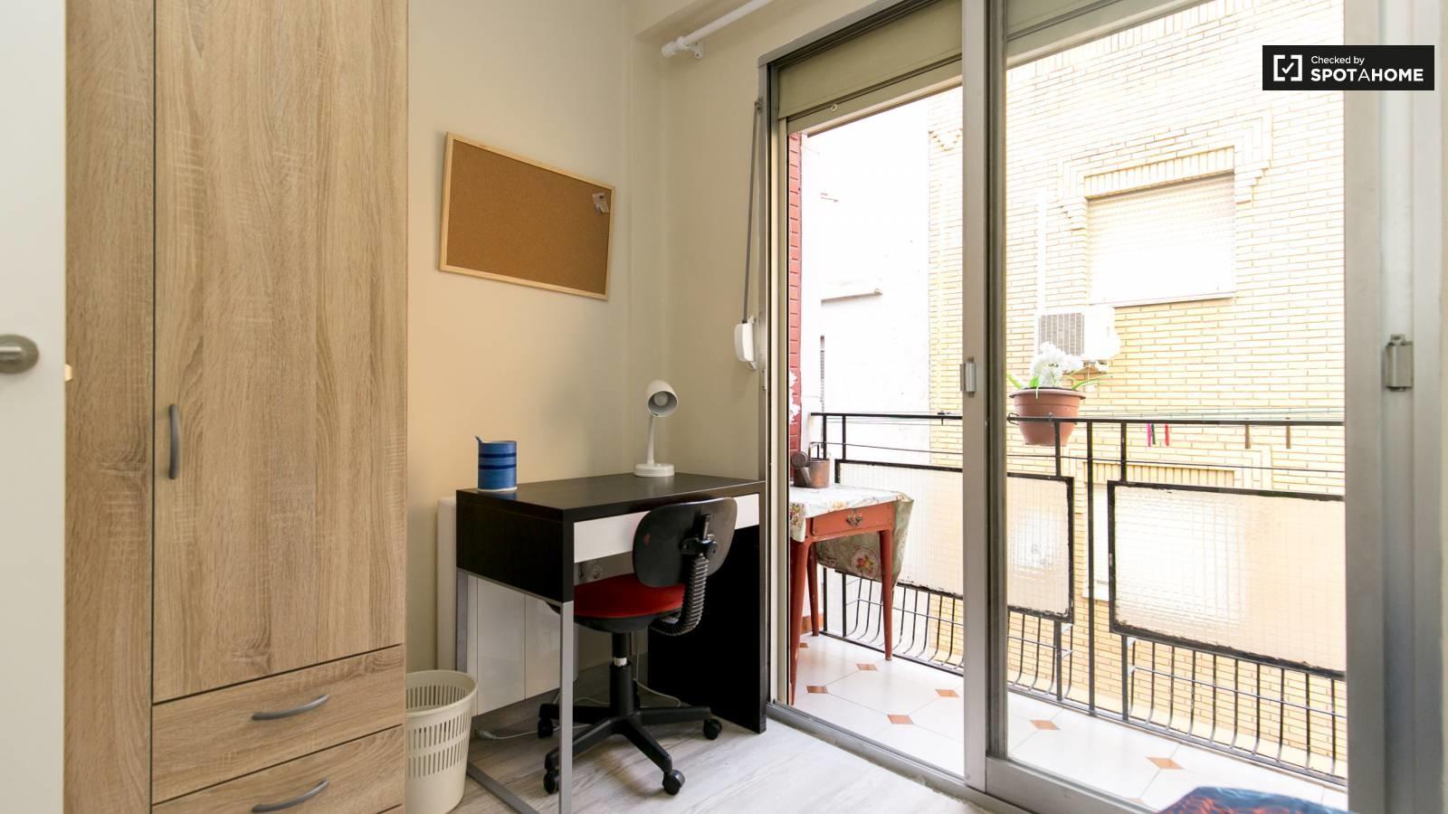 Habitación de lujo junto a Medac, Bellas Artes e Informática. TO