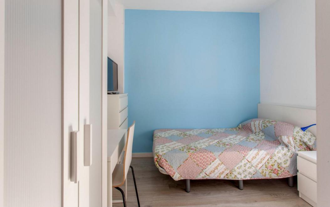Habitación luminosa, nueva y recién reformada