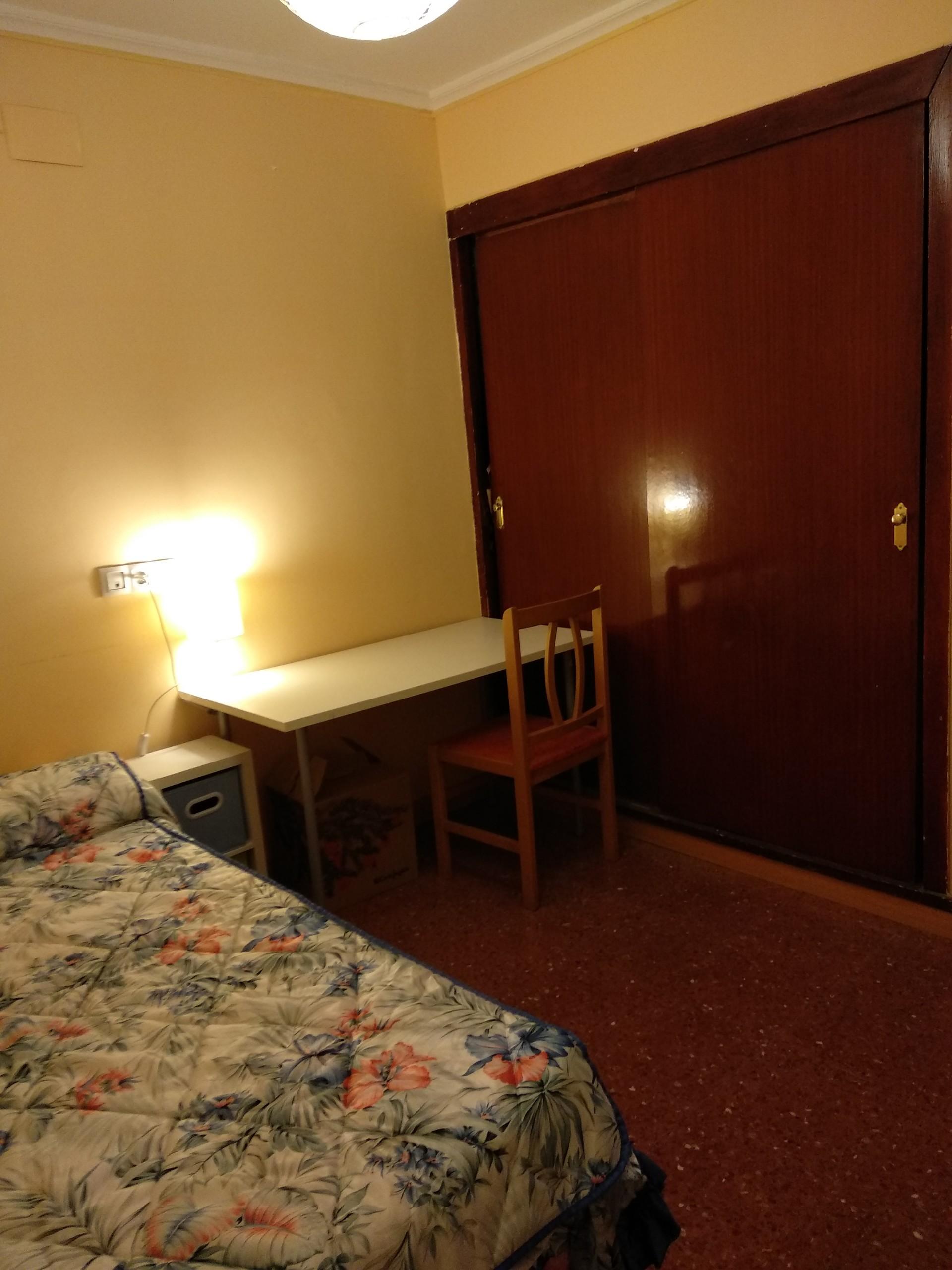 Habitación luminosa y en Huelva