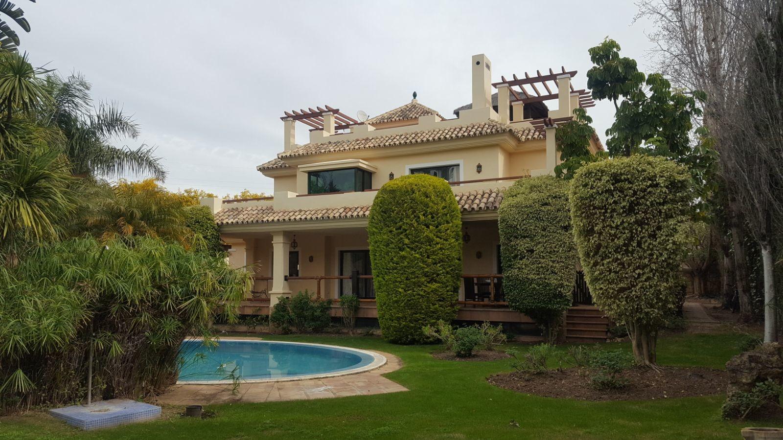 jardines con piscina Jardines Con Piscina Interesting Cunto Espacio Necesitas