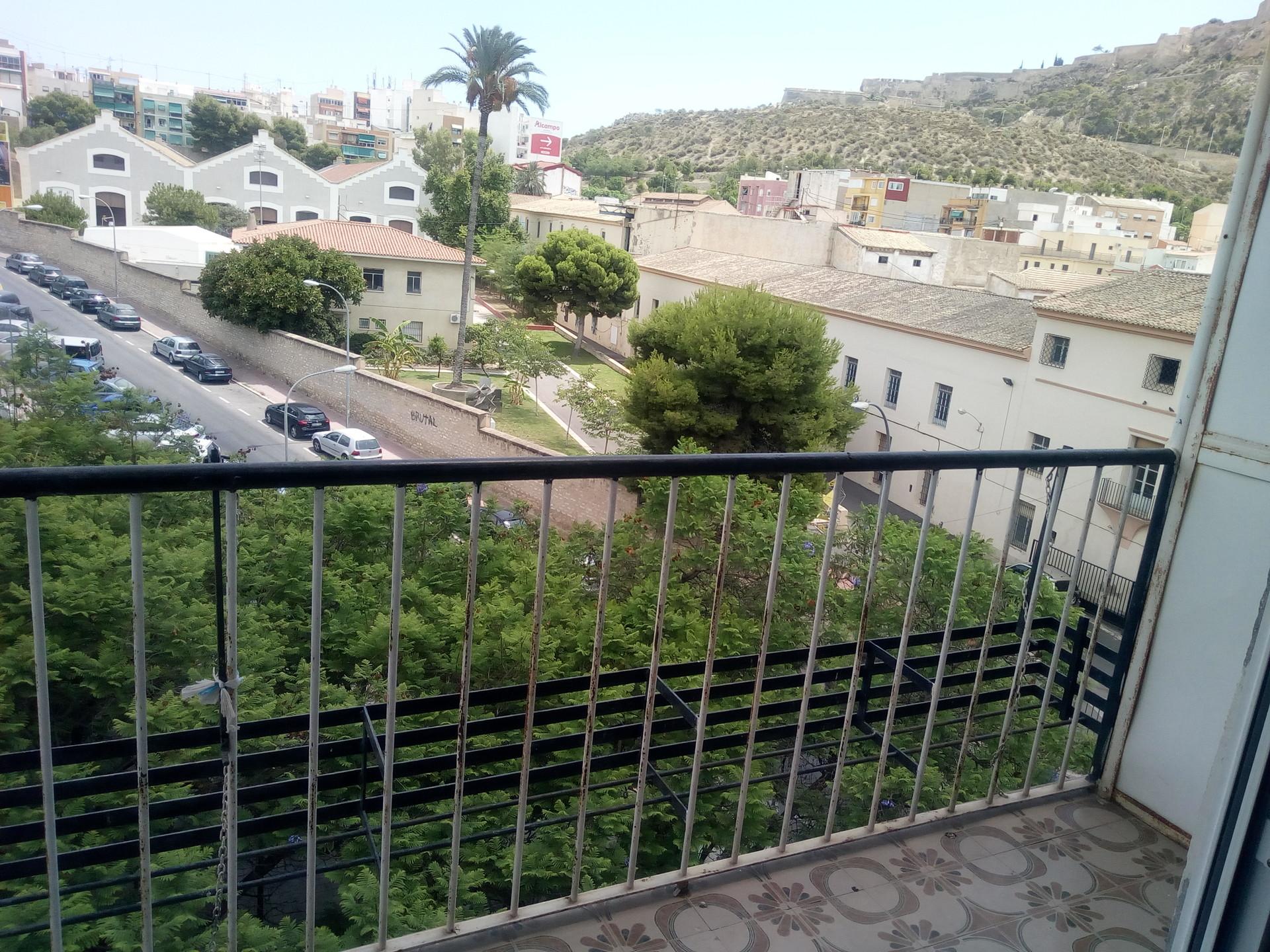 Calle Sevilla,  03012 Alicante