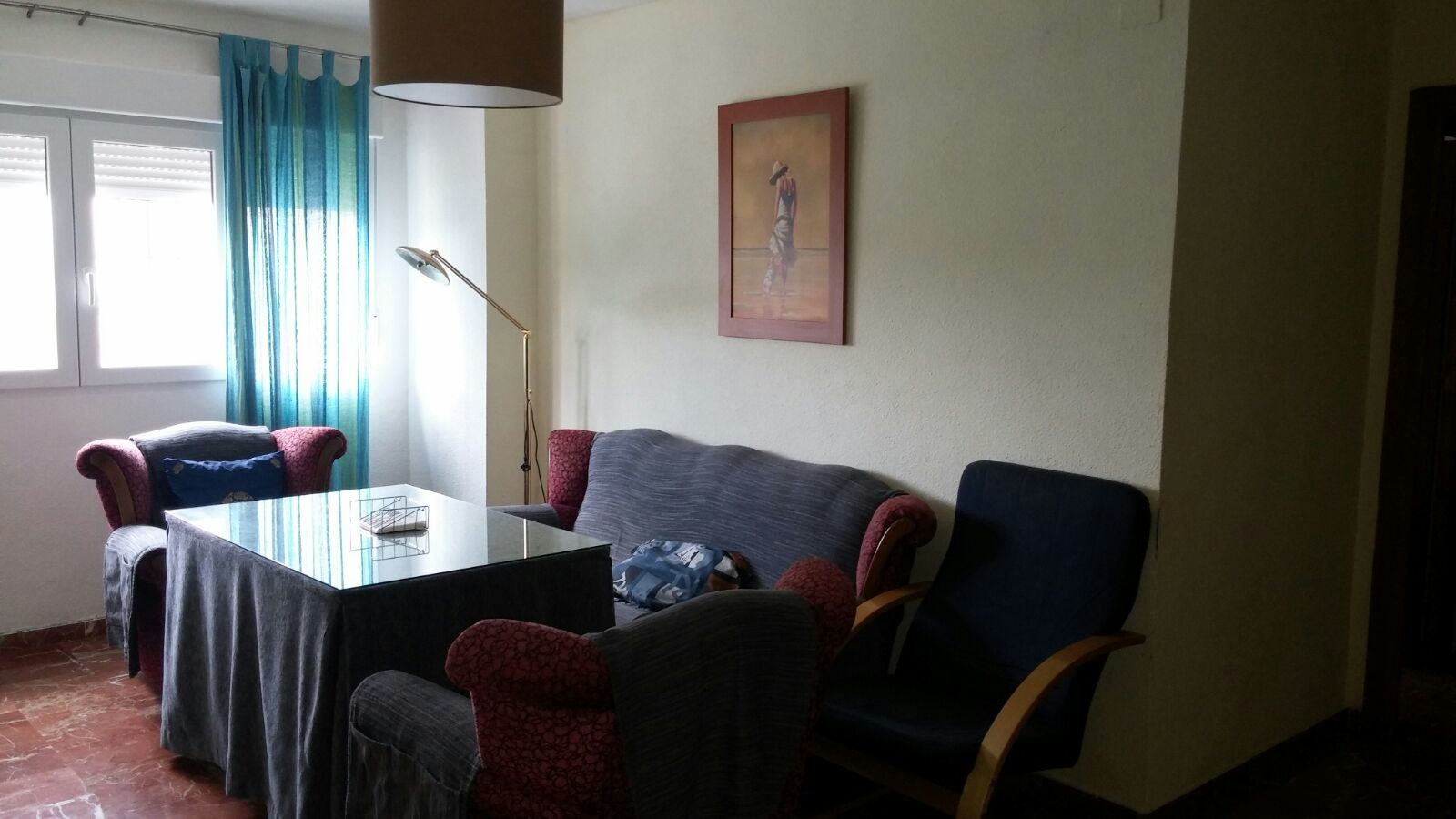 Habitaci n en piso de 4 dormitorios para chica alquiler for Piso 4 dormitorios teatinos malaga