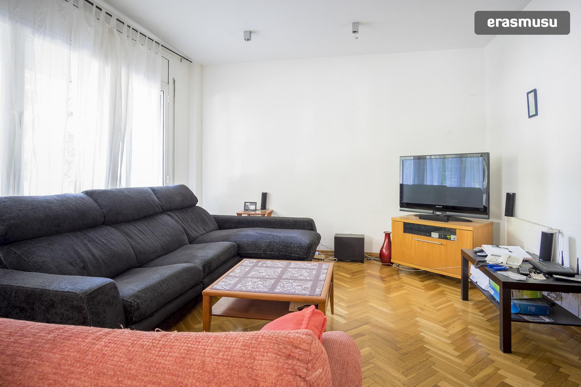 Habitaci n en piso amplio de 145m2 mixto de estudiantes alquiler habitaciones barcelona - Pisos para estudiantes en barcelona ...