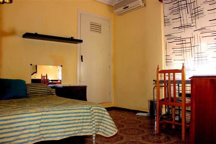 Habitaci n en piso muy amplio en el barrio de nervi n alquiler habitaciones sevilla - Pisos alquiler sevilla nervion ...