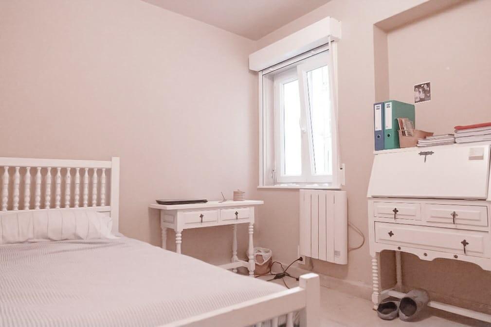 habitacion-piso-centrico-c55055896e8fe8f9d20f34f4342928c7