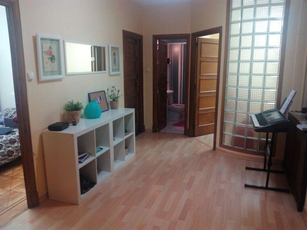 habitacion en piso compartido amplio y luminoso