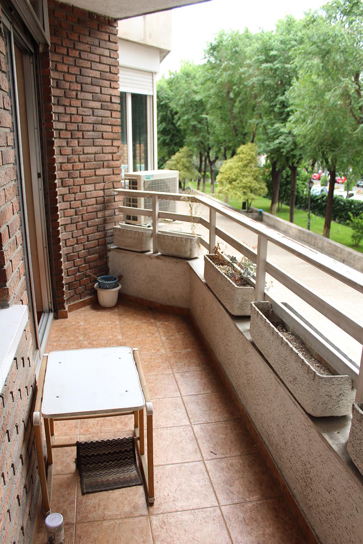 Habitaci n en piso compartido embajadores julio agosto for Alquiler piso embajadores