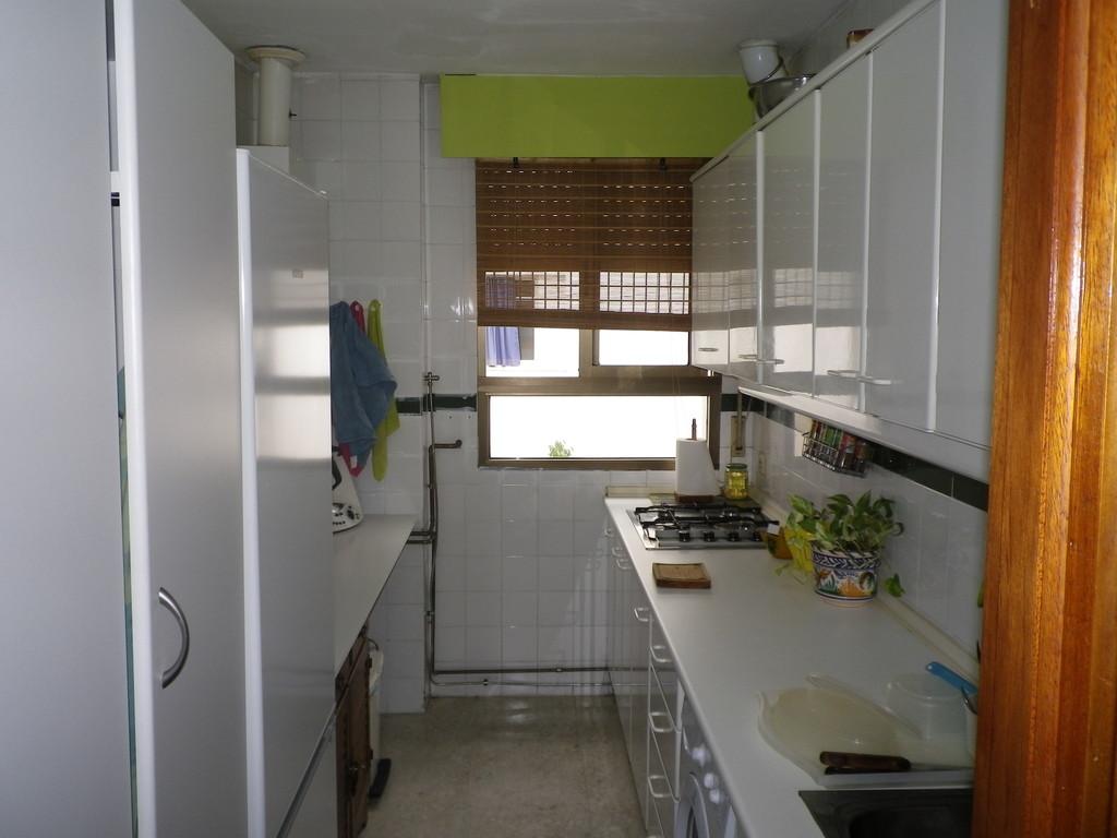 Habitaci n en piso compartido con pareja joven alquiler for Piso 1 habitacion sevilla