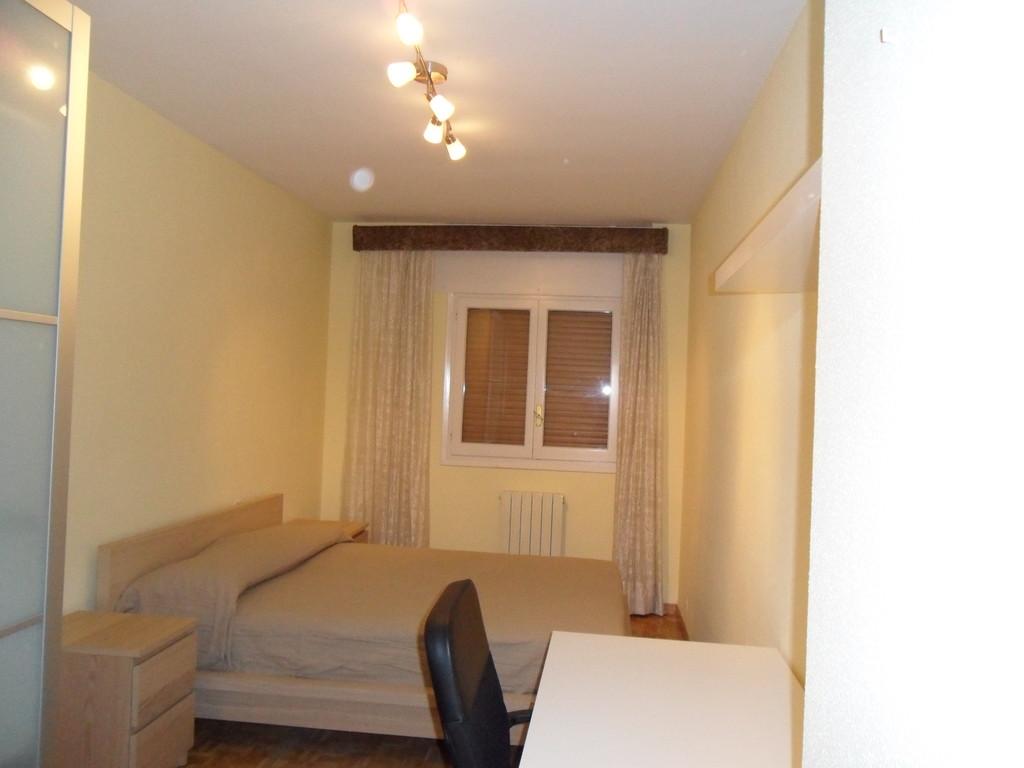 Habitaci n en piso compartido proximo a la universidad for Alquiler de habitacion en piso compartido