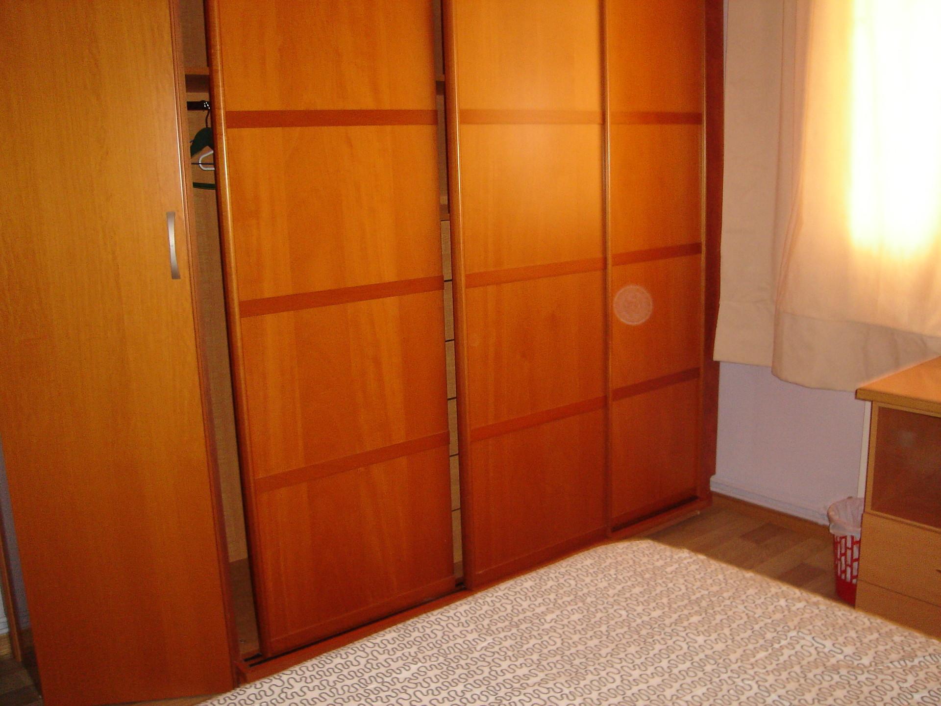 Habitaci n en piso compartido solo chicas muy pr ximo a for Alquiler de habitacion en piso compartido