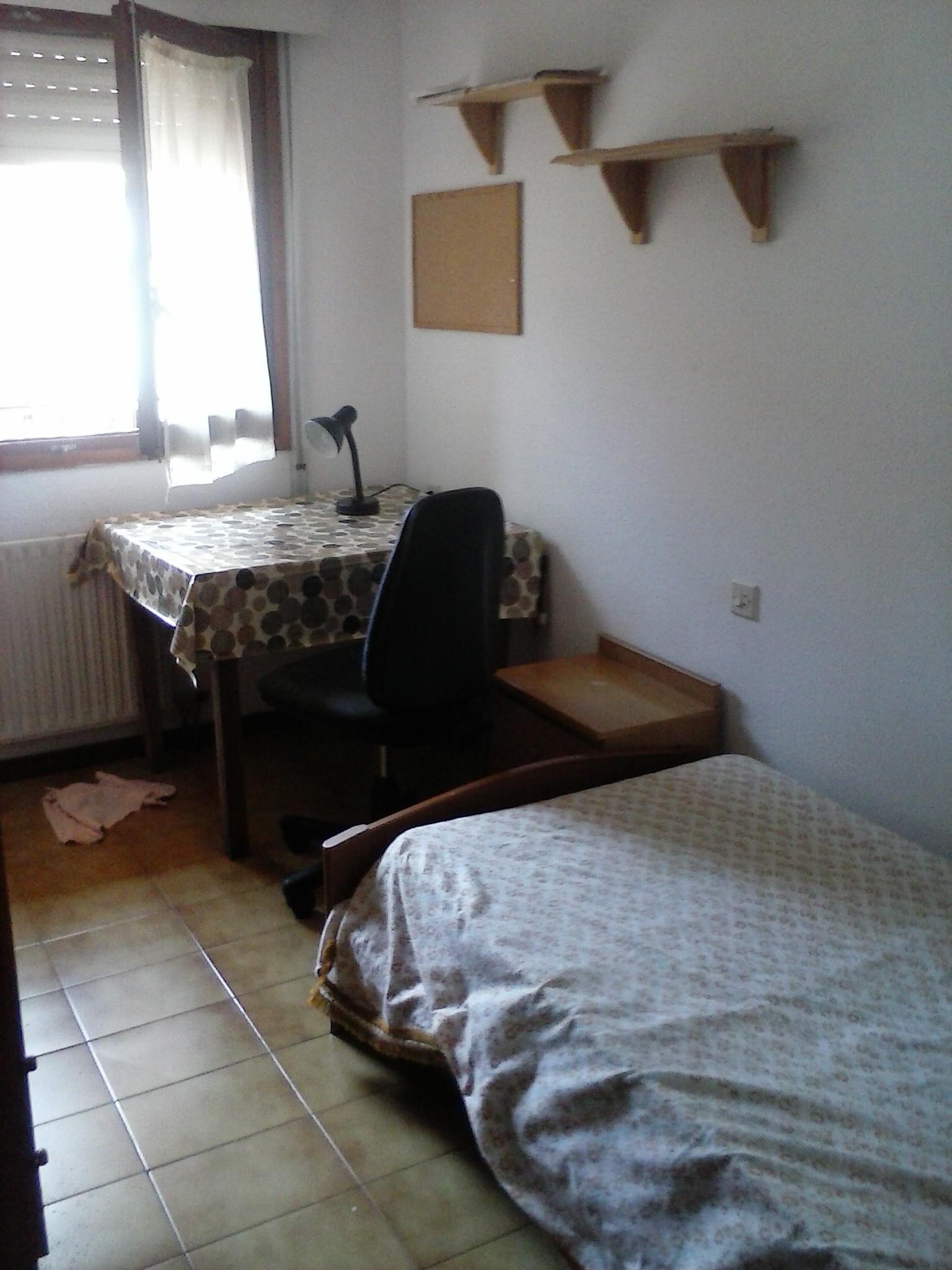 habitacion  en piso compartido en soria numero 3