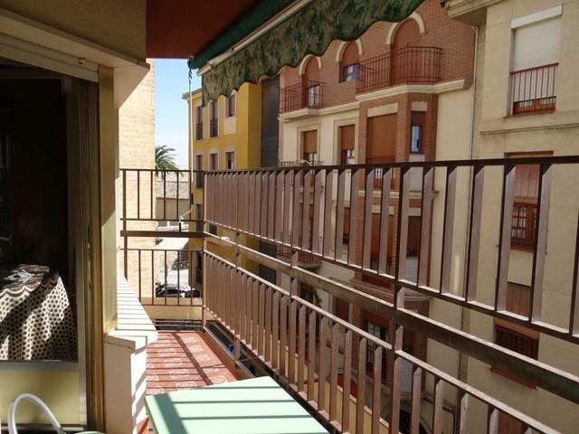 Habitacion En Piso De Cuatro Dormitorios En El Centro De Jaen