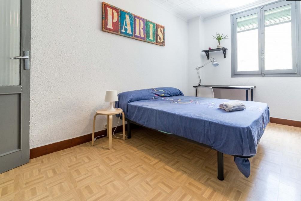 Habitaci n en piso de estudiantes en valencia alquiler habitaciones valencia - Pisos nuevos en valencia ...